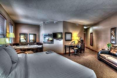 Suite - Podollan Inn & Spa Grande Prairie