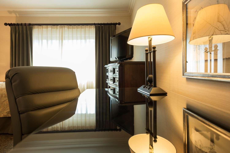 Room - Ayres Suites Diamond Bar