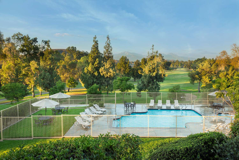 Golf - Ayres Suites Diamond Bar