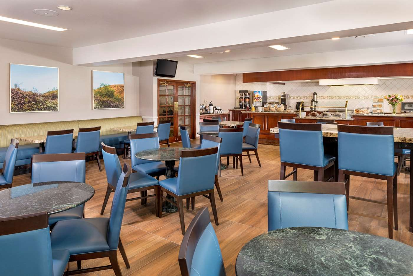 Restaurant - Ayres Suites Diamond Bar