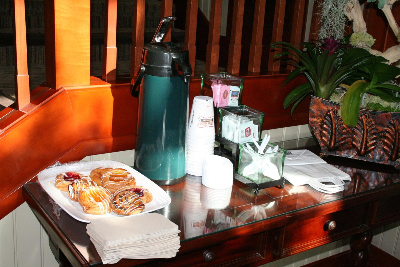Restaurant - West Inn & Suites Carlsbad