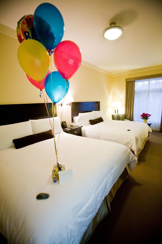Room - West Inn & Suites Carlsbad