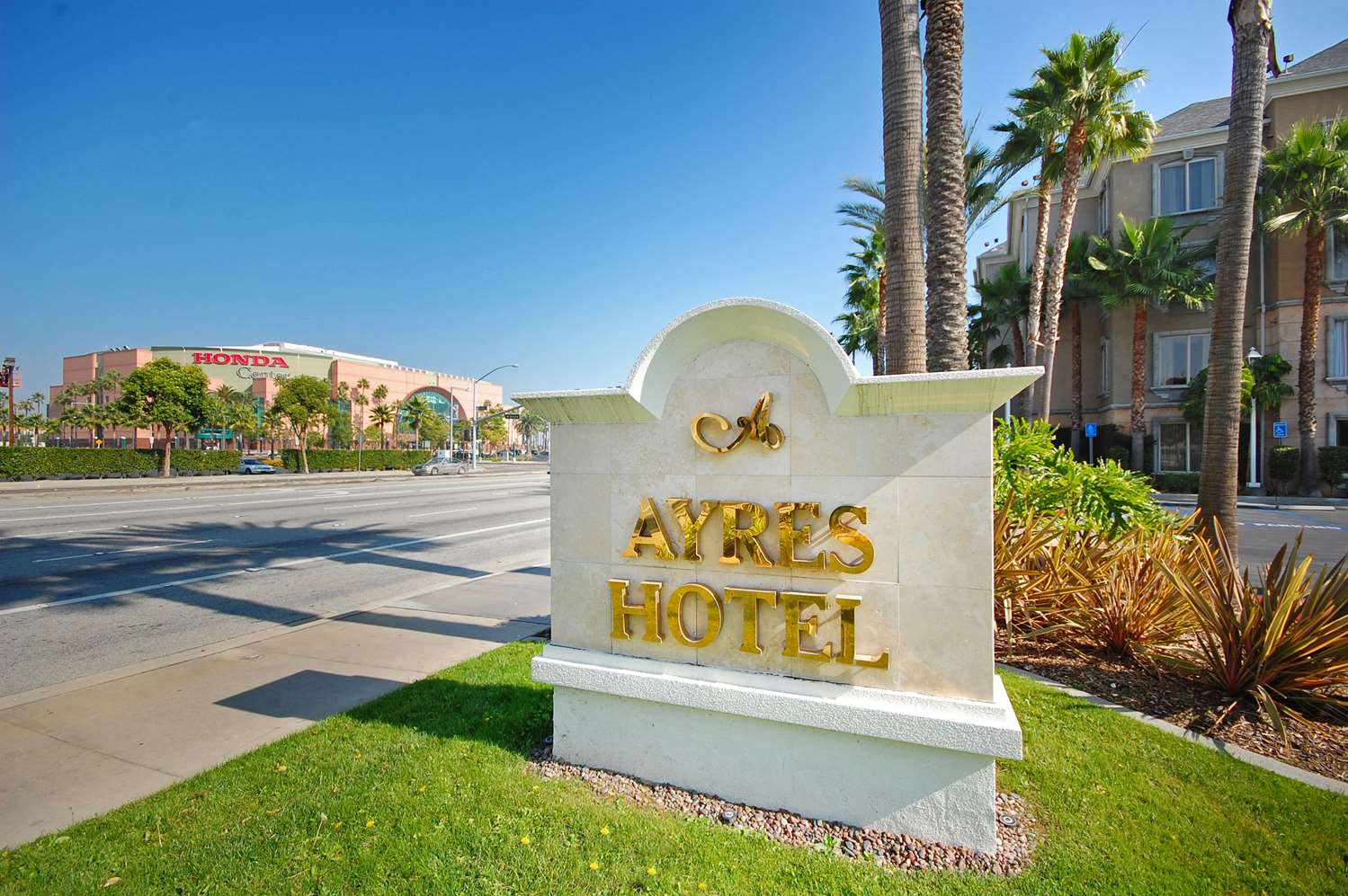 Exterior view - Ayres Hotel Angel Stadium Anaheim