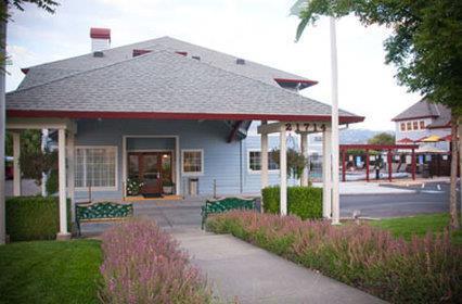 Exterior view - Geyserville Inn