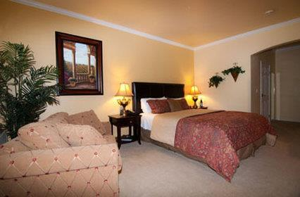 Room - Geyserville Inn
