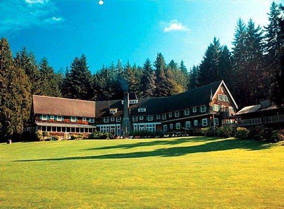 Exterior view - Lake Quinault Lodge