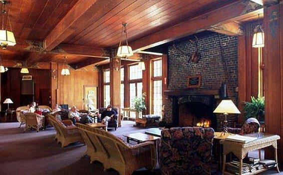 Lobby - Lake Quinault Lodge