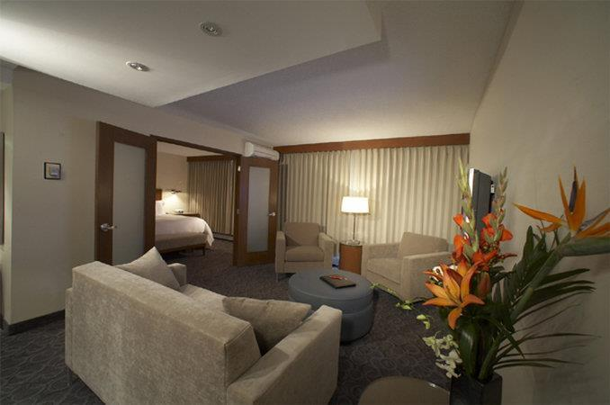Room - International Hotel Suites Calgary