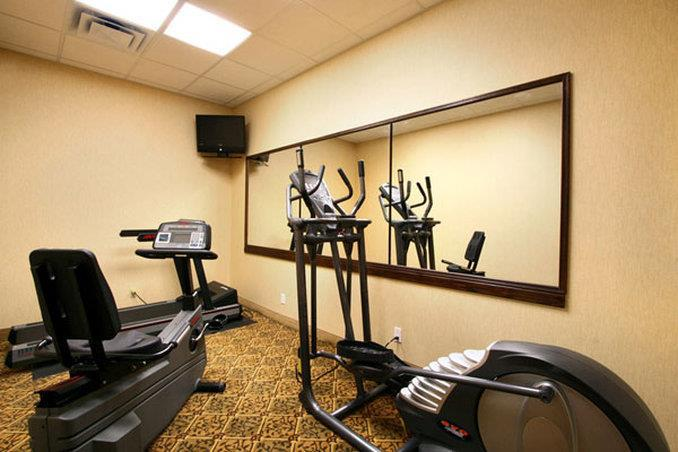 Fitness/ Exercise Room - Admiral Inn Hamilton