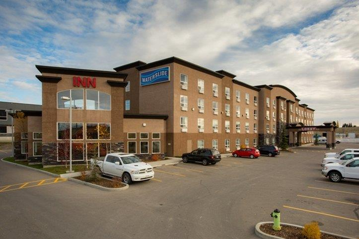 Exterior view - Service Plus Inns & Suites Calgary