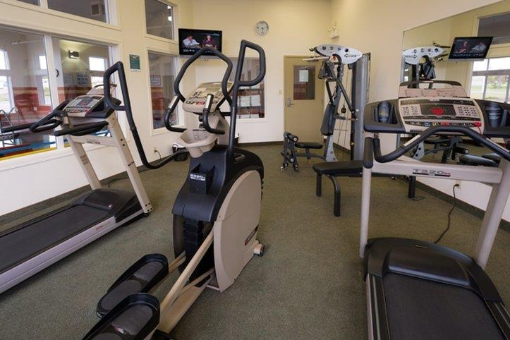 Fitness/ Exercise Room - Service Plus Inns & Suites Calgary
