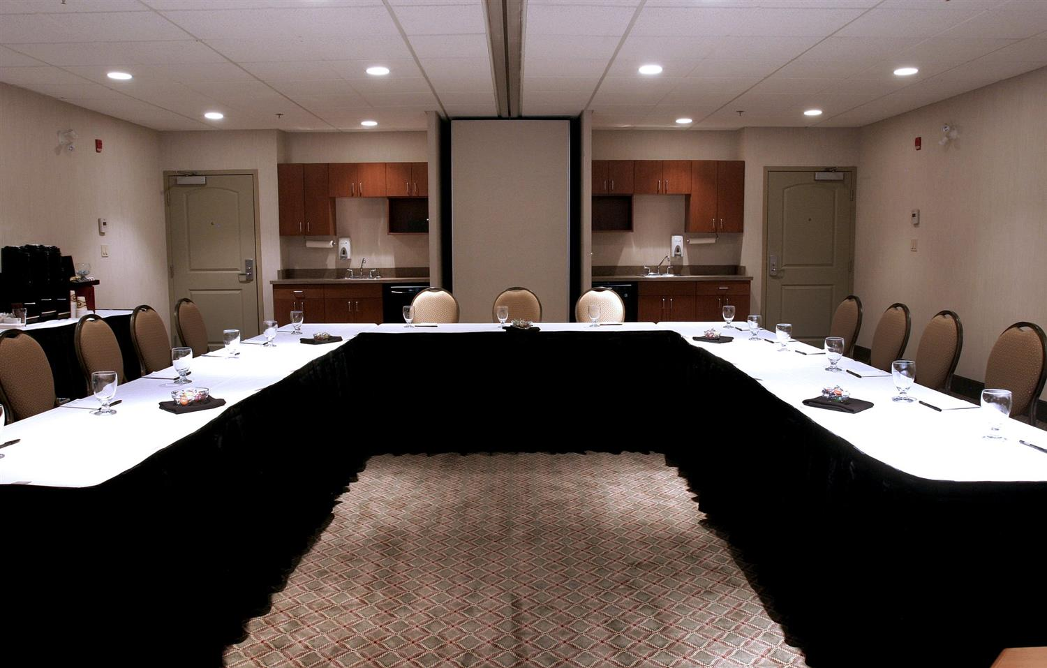 Meeting Facilities - Service Plus Inns & Suites Calgary