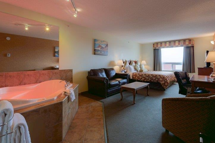 Room - Service Plus Inns & Suites Calgary
