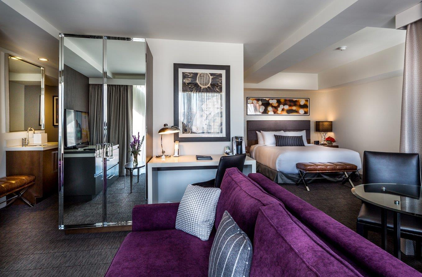 Room - Godfrey Hotel Chicago