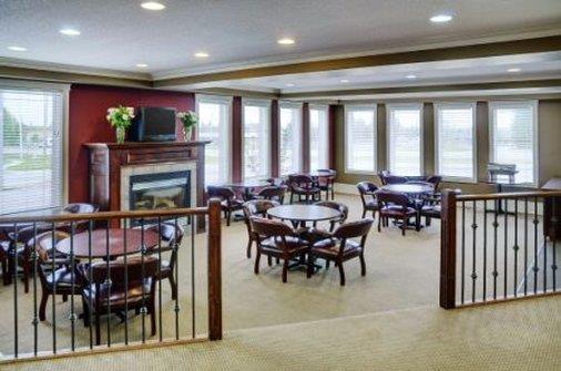 Restaurant - Lakeview Inn & Suites Airport West Edson