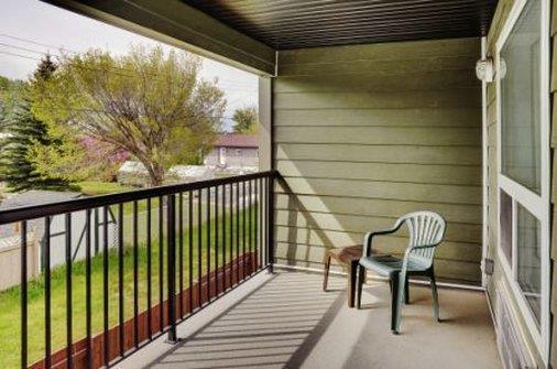 Suite - Lakeview Inn & Suites Airport West Edson