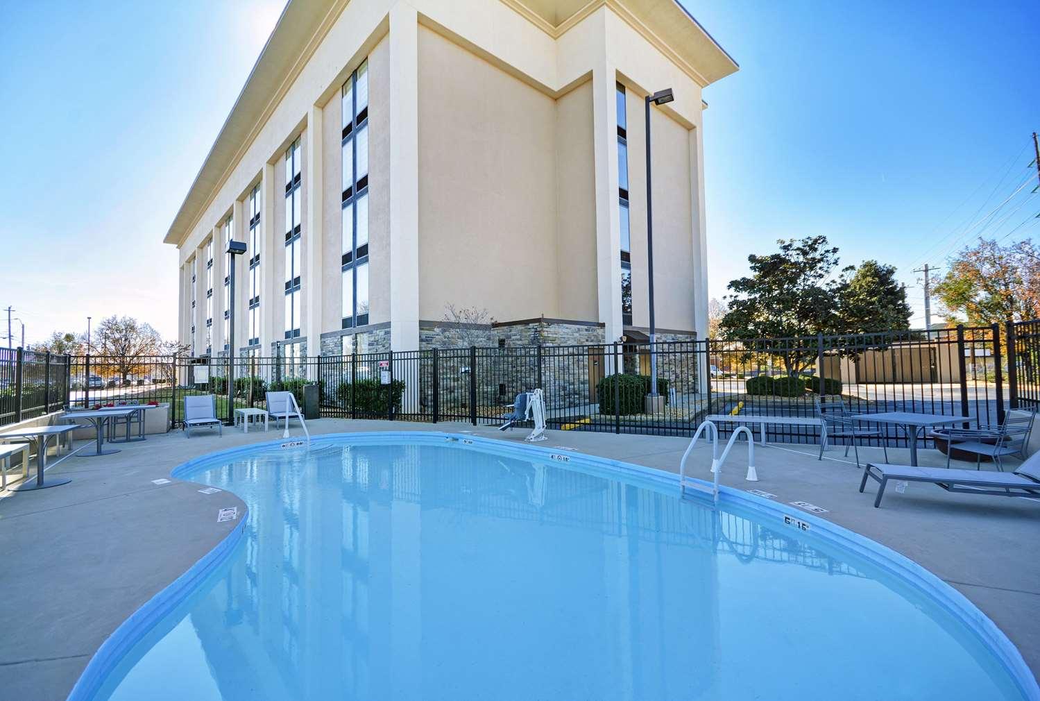 Pool - Hampton Inn Athens