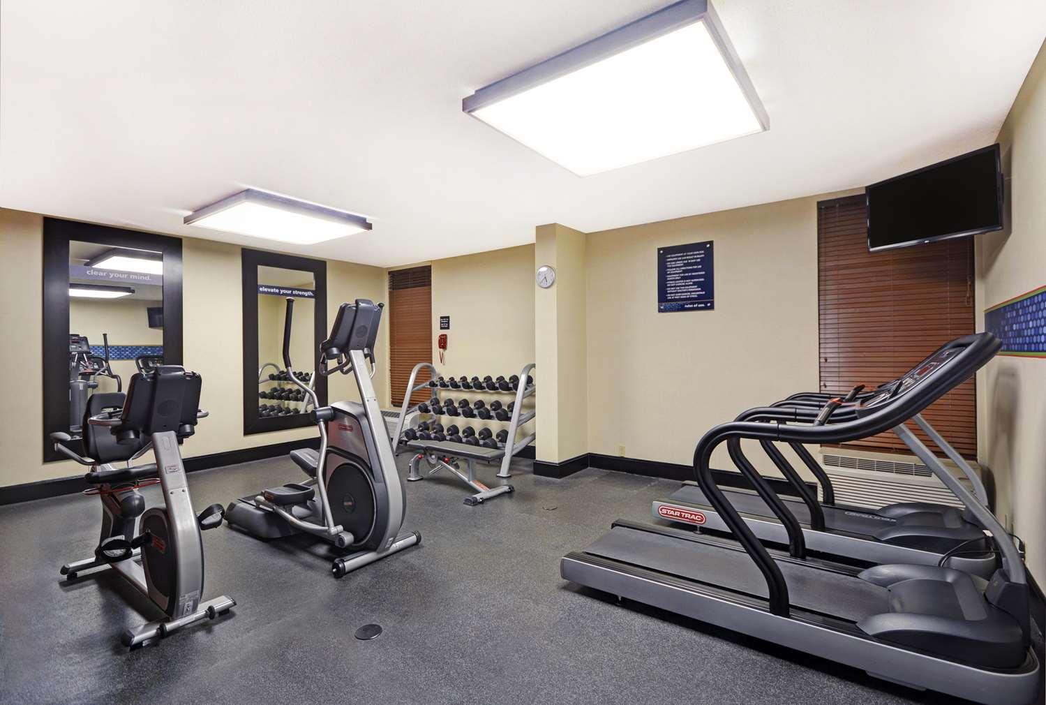 Fitness/ Exercise Room - Hampton Inn Athens