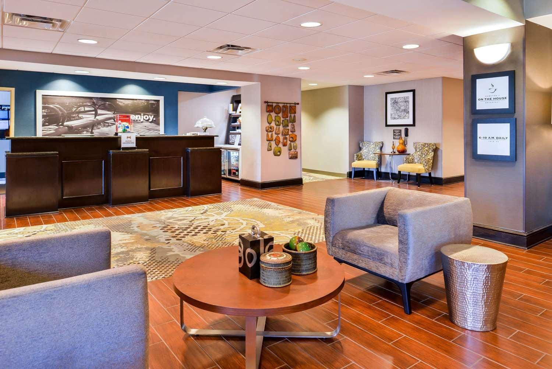 Lobby - Hampton Inn Gonzales