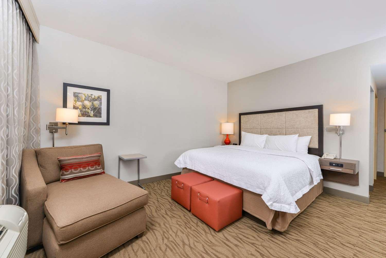 Room - Hampton Inn Gonzales