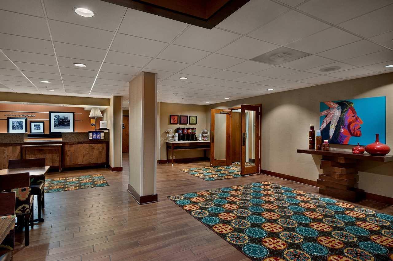 Lobby - Hampton Inn Cherokee