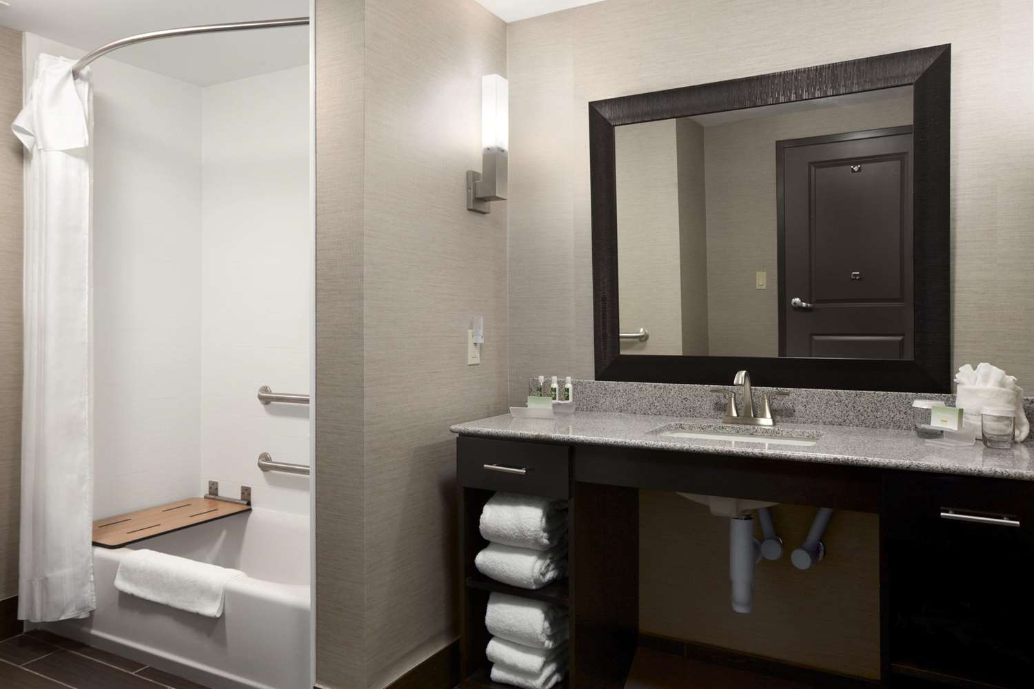 Room - Homewood Suites by Hilton OSU Columbus
