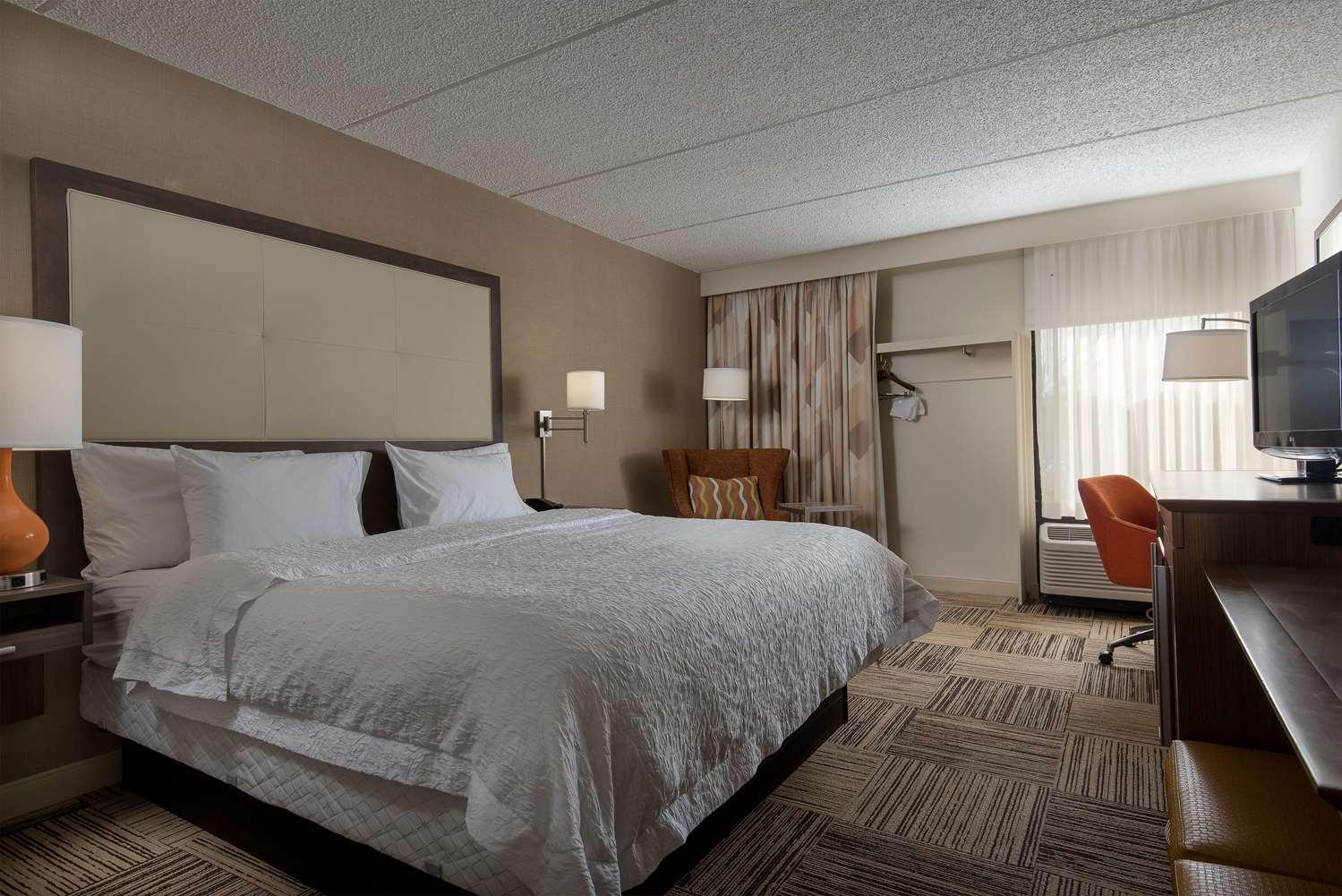 Room - Hampton Inn Commerce