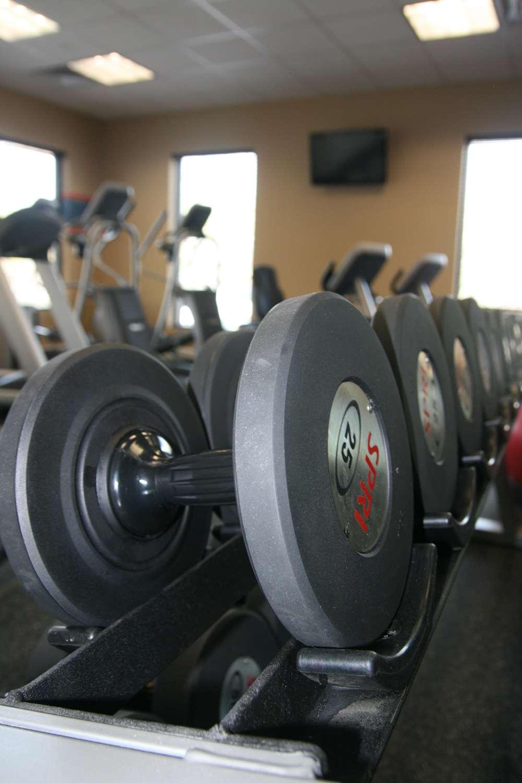 Fitness/ Exercise Room - Hampton Inn Commack