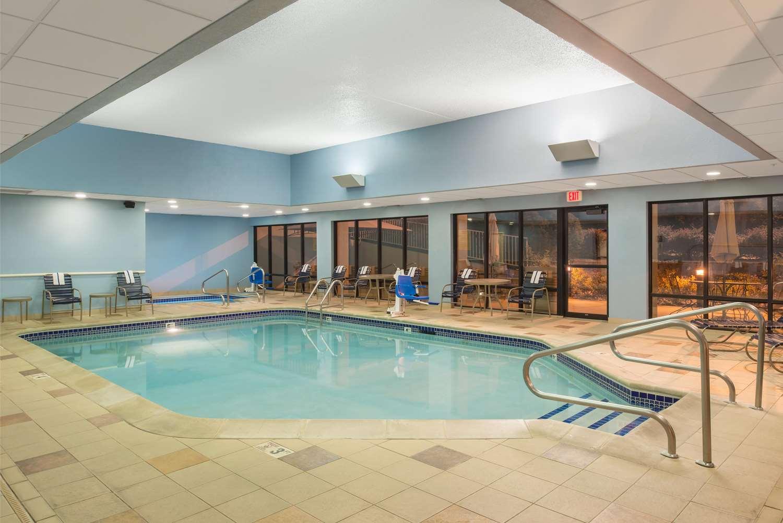 Pool - Hampton Inn Columbia