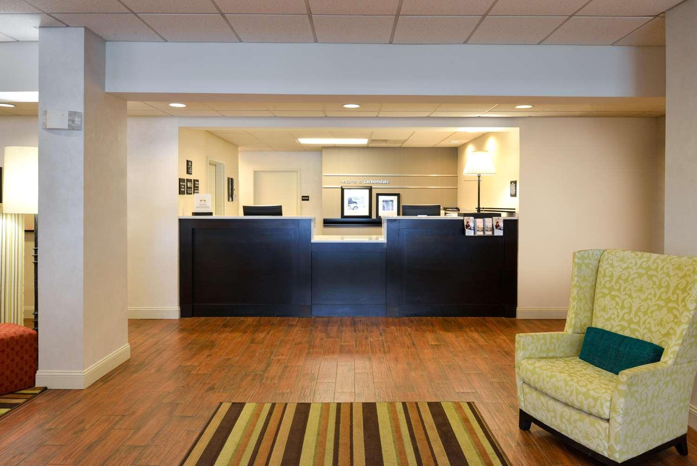 Lobby - Hampton Inn Carbondale