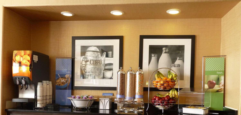 Restaurant - Hampton Inn Castle Rock