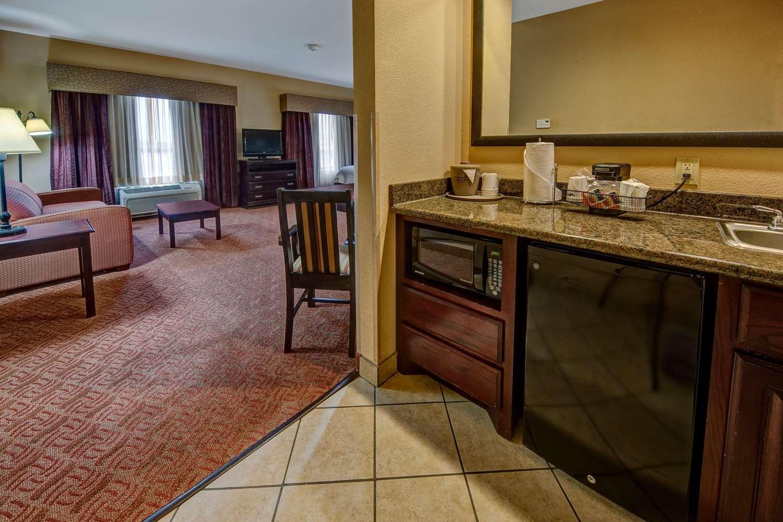 Room - Hampton Inn & Suites Corsicana