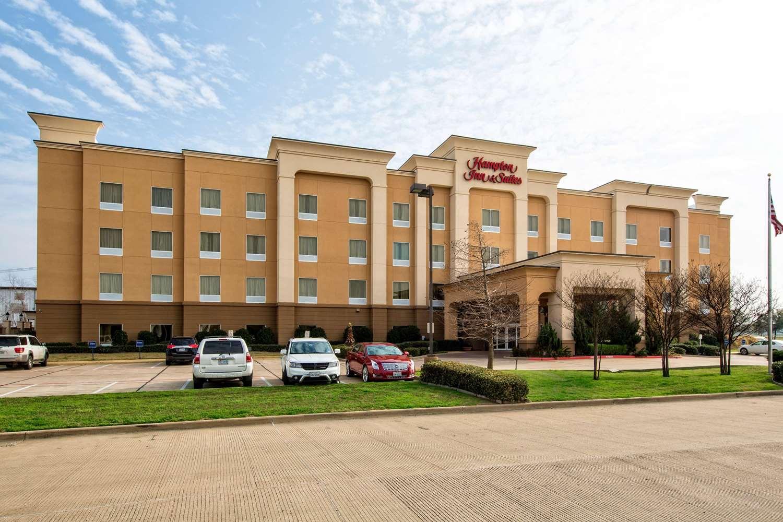 Exterior view - Hampton Inn & Suites Corsicana