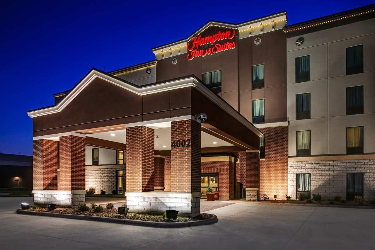 Exterior view - Hampton Inn & Suites Dodge City