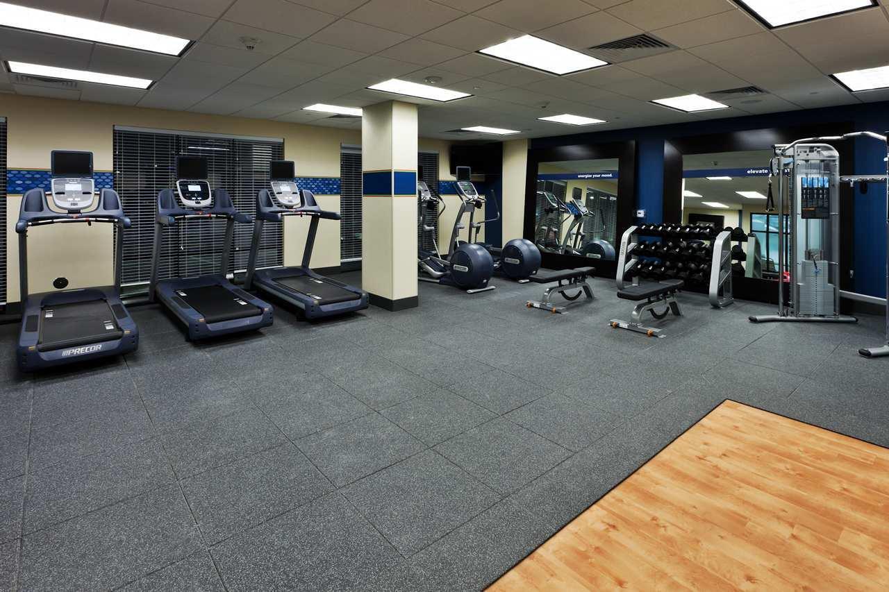 Fitness/ Exercise Room - Hampton Inn & Suites Airport Denver
