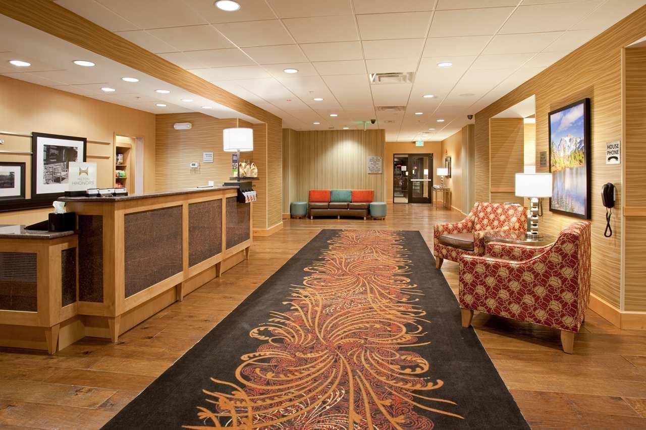 Lobby - Hampton Inn & Suites Lone Tree