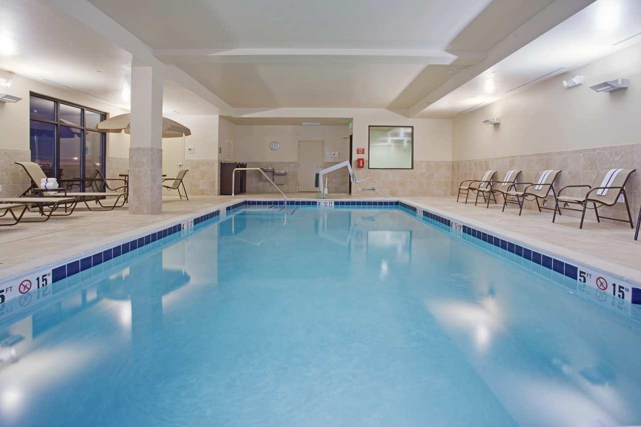 Pool - Hampton Inn & Suites Lone Tree