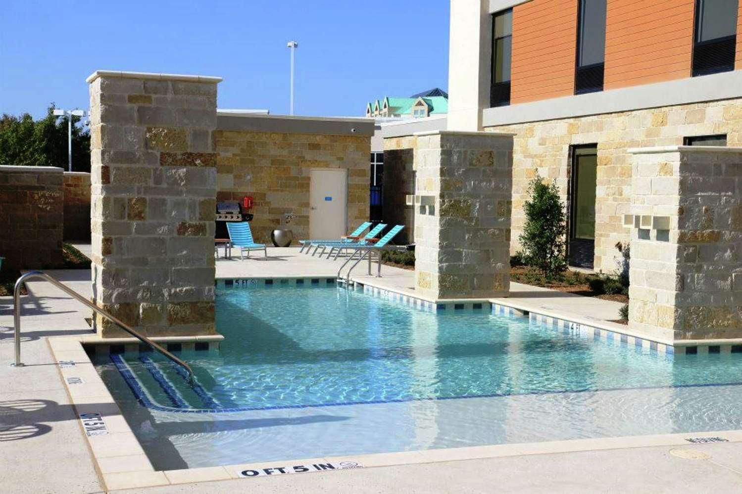 Pool - Home2 Suites by Hilton Frisco