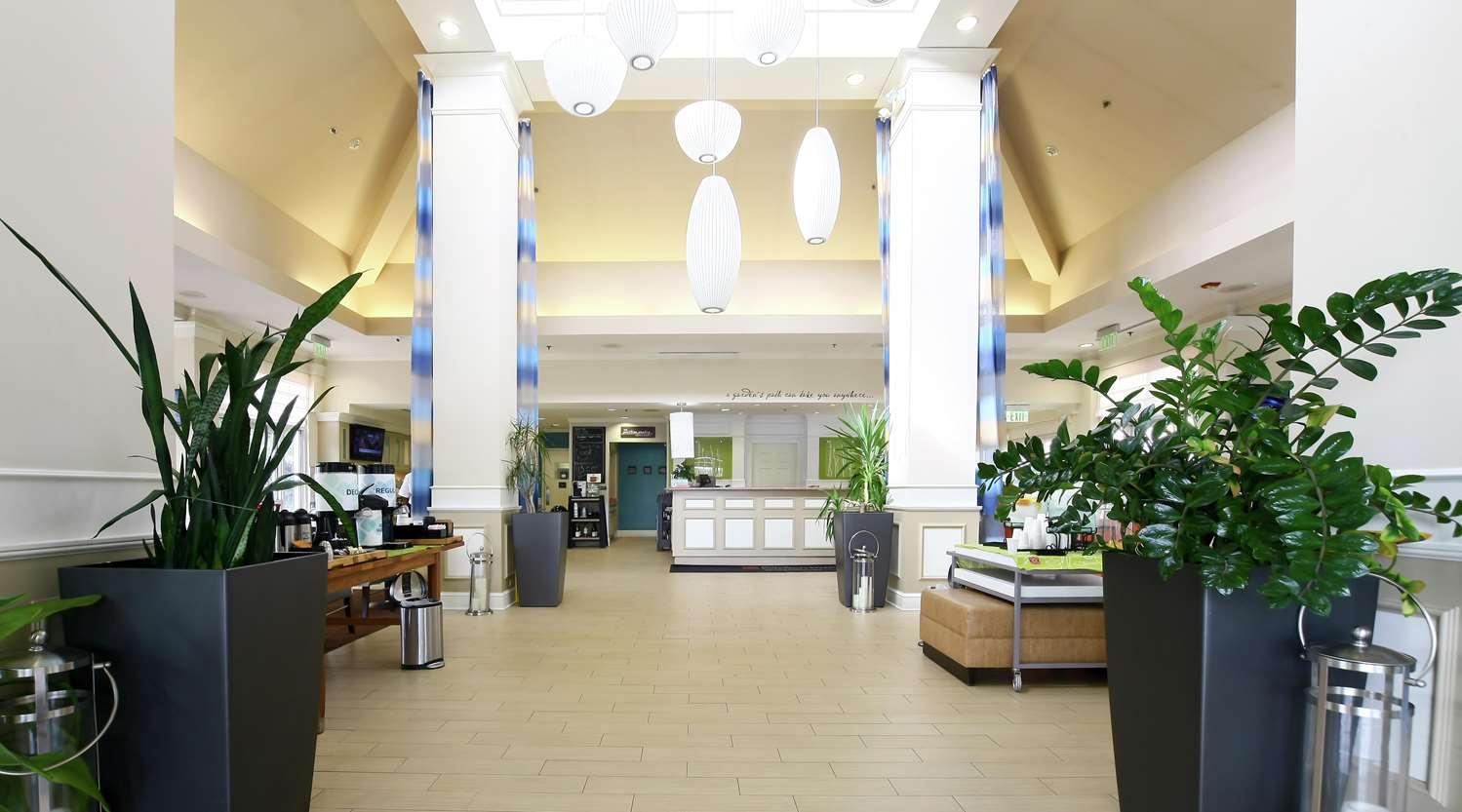 Lobby - Hilton Garden Inn Meadowlands Secaucus