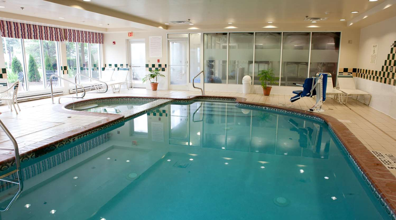 Pool - Hilton Garden Inn Meadowlands Secaucus