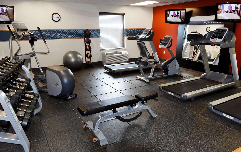 Fitness/ Exercise Room - Hampton Inn & Suites Fargo