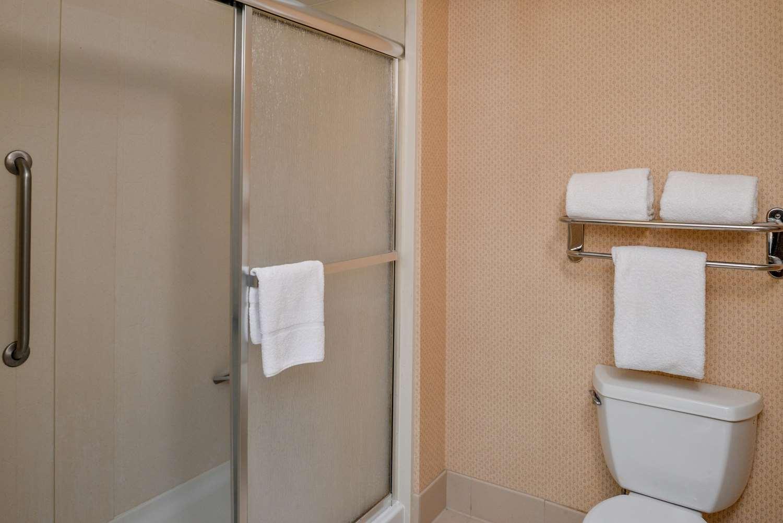 Room - Homewood Suites by Hilton Fresno