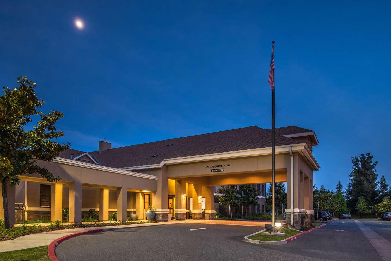 Exterior view - Homewood Suites by Hilton Fresno