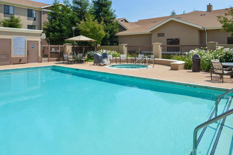 Pool - Homewood Suites by Hilton Fresno