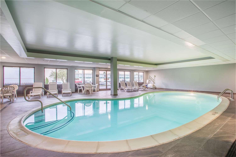 Pool - Hampton Inn Fishkill
