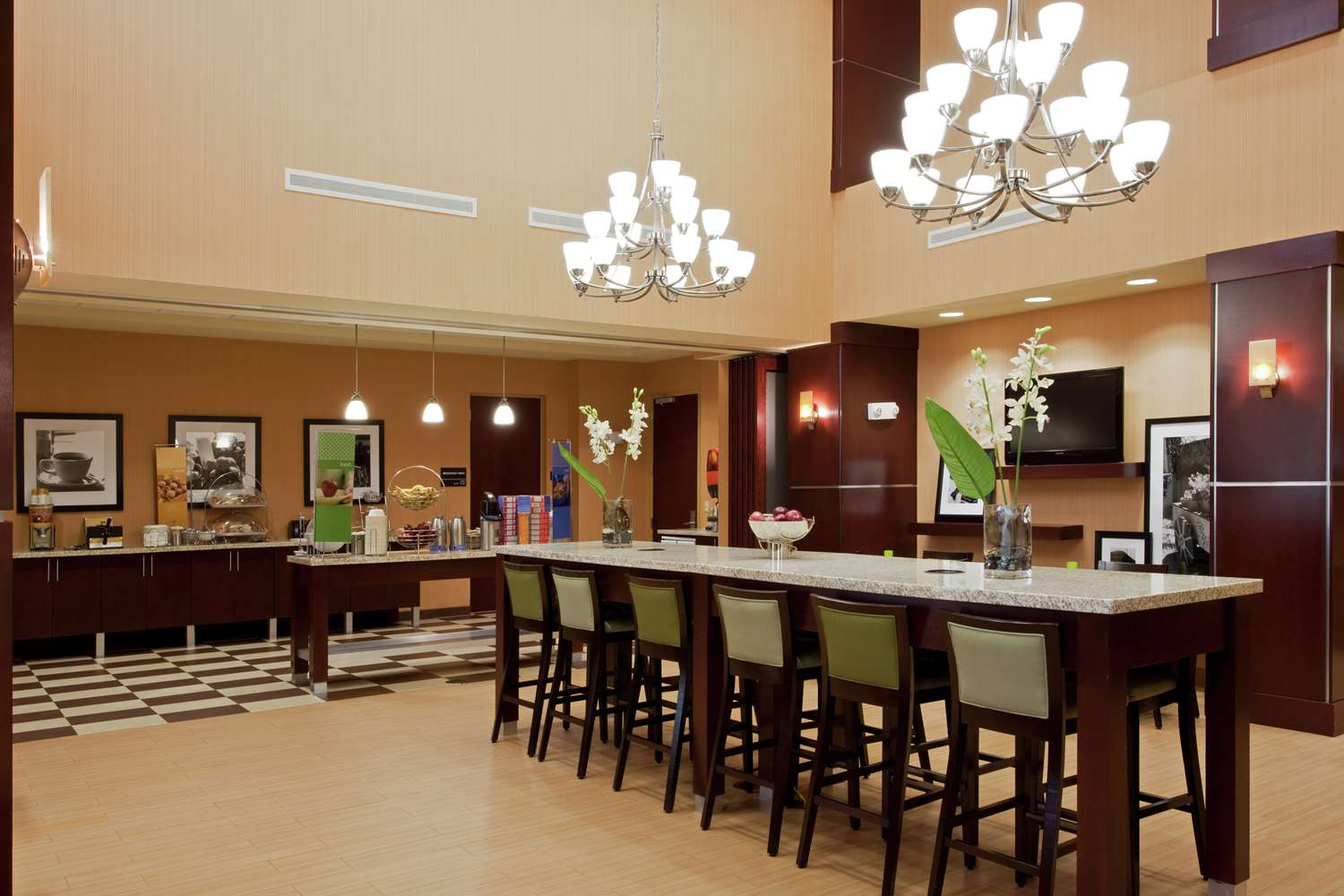 Restaurant - Hampton Inn & Suites Miramar