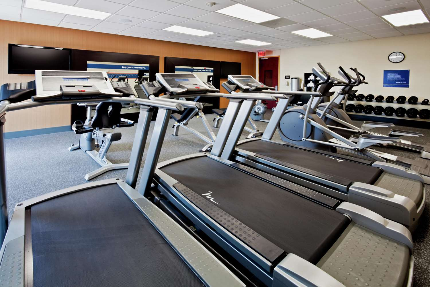 Fitness/ Exercise Room - Hampton Inn & Suites Miramar