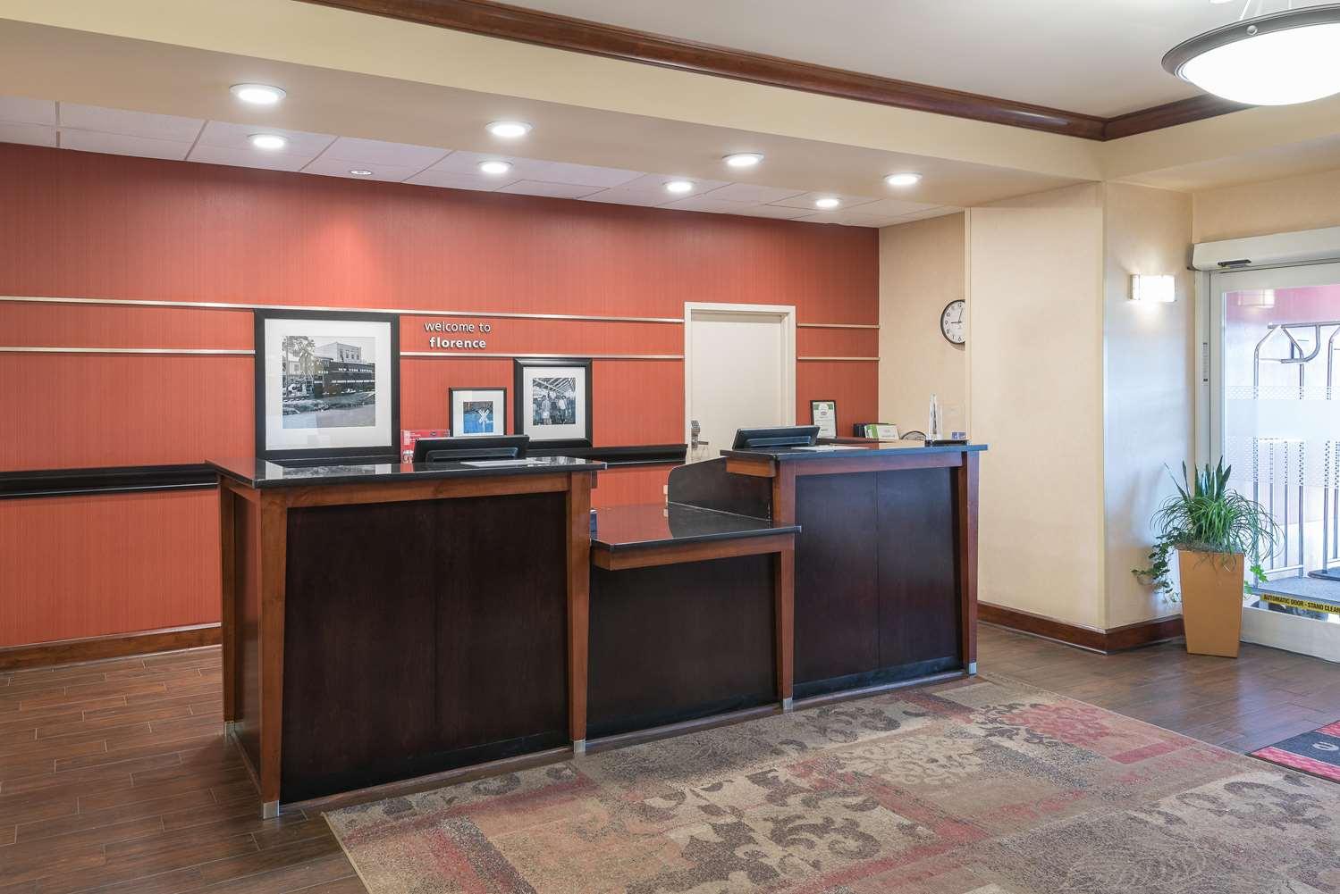 Lobby - Hampton Inn & Suites North I-95 Florence