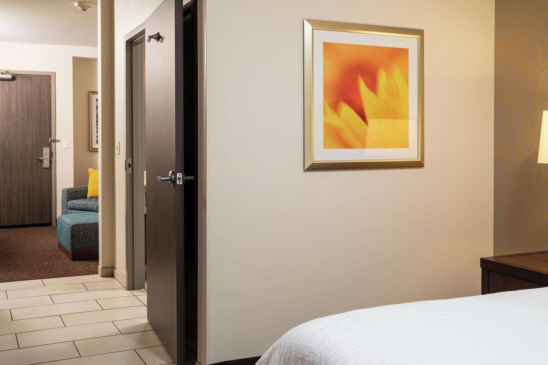 Room - Hilton Garden Inn Downtown Sioux Falls