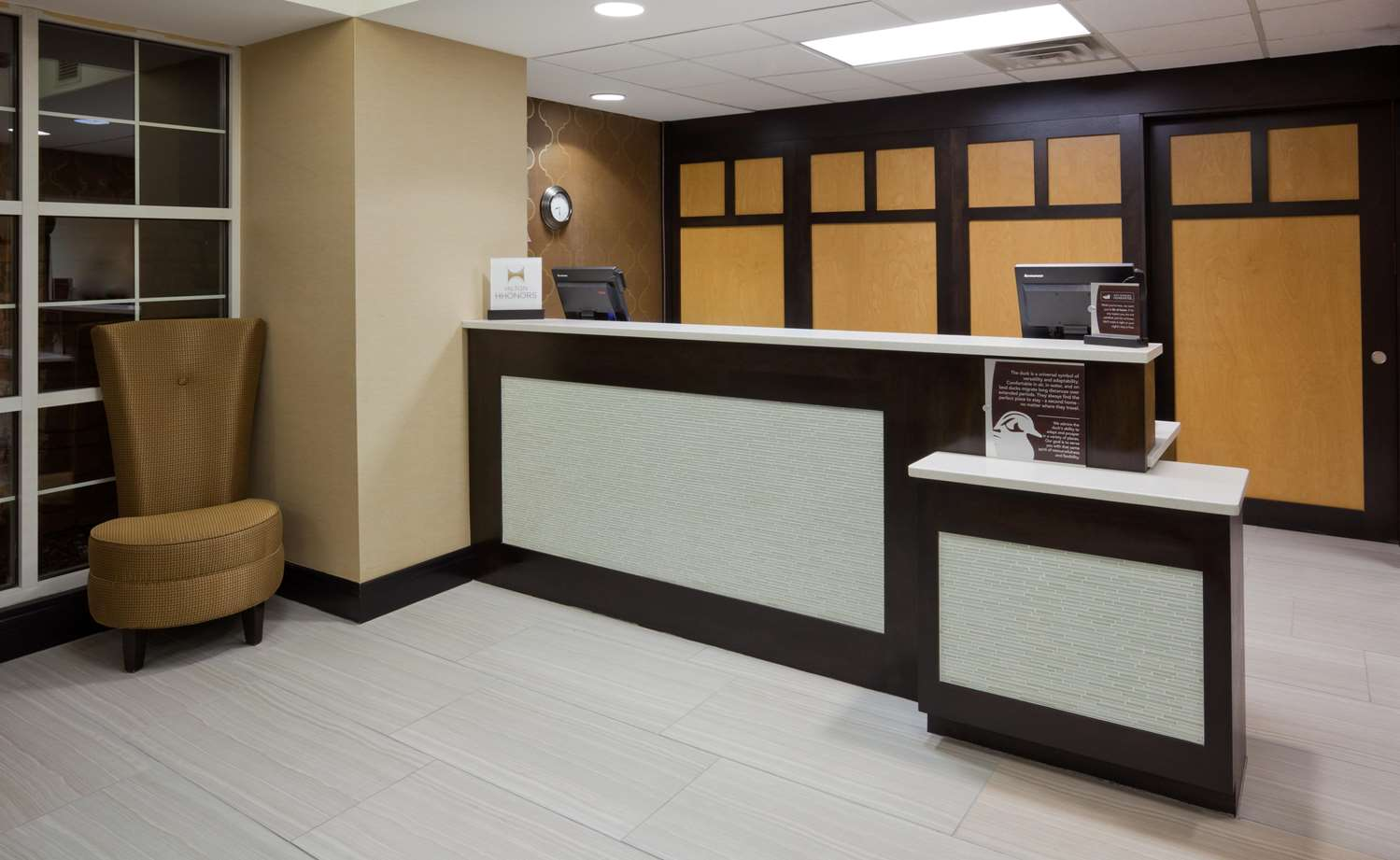 Lobby - Homewood Suites by Hilton Sioux Falls